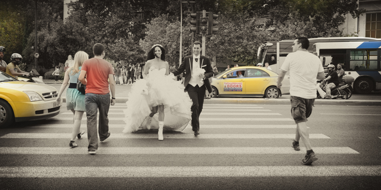 Wedding photography in the Athens street by Studio Aplha