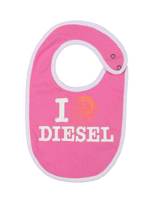 diesel σαλιάρα