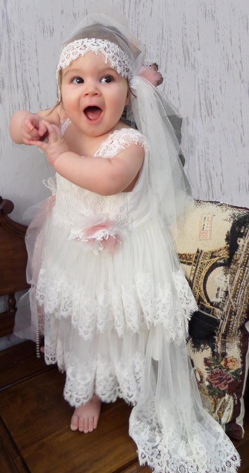 0b2046168e3b Βαπτιστικά ρούχα για κορίτσια - Vaptisimag.gr - Παιδί & Βάπτιση ...